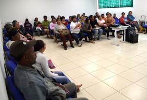 Nesta terça-feira, profissionais da ONG + Vida ministraram palestra no Cras Frei Alípio Both