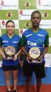 Natália Munhoz e o técnico Evaldo Moraes, campeões do Torneio Início.