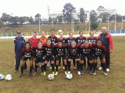 Equipe ituana de Futebol Feminino, campeã dos Jogos Regionais 2015.