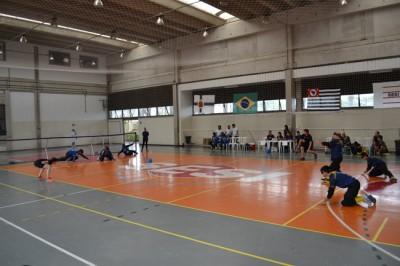 Equipe de Itu (à esquerda), representada pela Escola de Cegos Santa Luzia, fez sua estreia na modalidade, nesta quinta-feira.