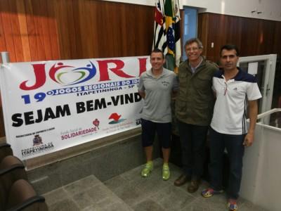 (da esquerda para a direita) O professor Augusto Cruzolini, o diretor de Esportes, Gilberto Rodrigues (Giba) e o professor José Carlos Prévide, técnicos e dirigente da Secretaria Municipal de Esportes, que acompanharão a delegação ituana nos Jogos Regionais do Idoso