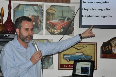 O coordenador da Oncologia do Hospital Gpaci, Gustavo Neves, abriu o ciclo de palestras