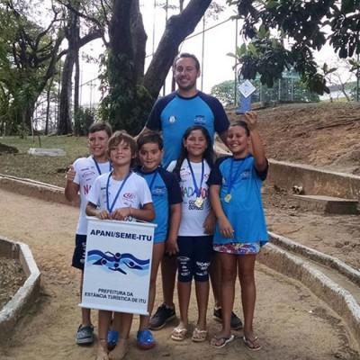 Natação ituana participa de torneio em Limeira