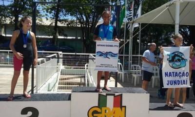 Letícia Lima Santos, medalha de ouro nos 50m Livre da categoria Petiz I.