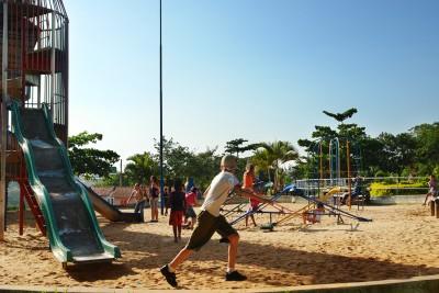 O parque municipal fica na Vila Roma e dispõe de playground amplo