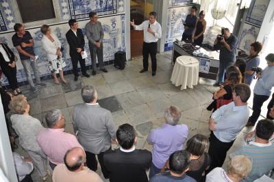 A cerimônia contou com a presença de autoridades locais na área da educação, representantes de entidades de ensino e empresários apoiadores do projeto
