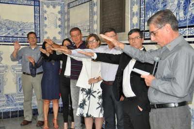 Diante do público, a diretoria do Instituto Cultural Bubonem realizou um juramento de compromisso com a educação